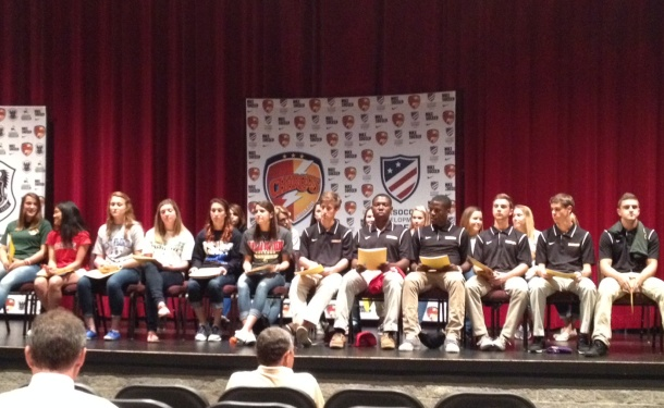 25 Chargers SC Players to Play College Soccer